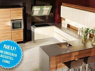 Silbermond - Die Grifflose Designerküche mit 9-fach Polyesterlack