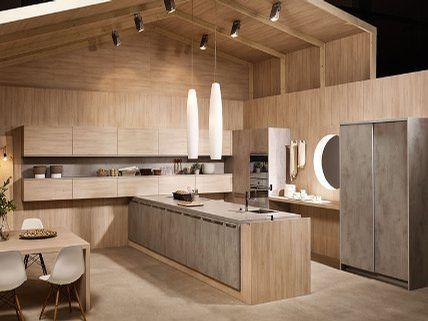 KH Küche: Beton Grau / Fjord Buche Natur horizontal